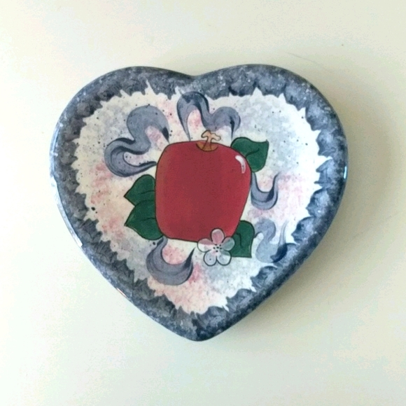 Heart and apple decor / decoration folk country